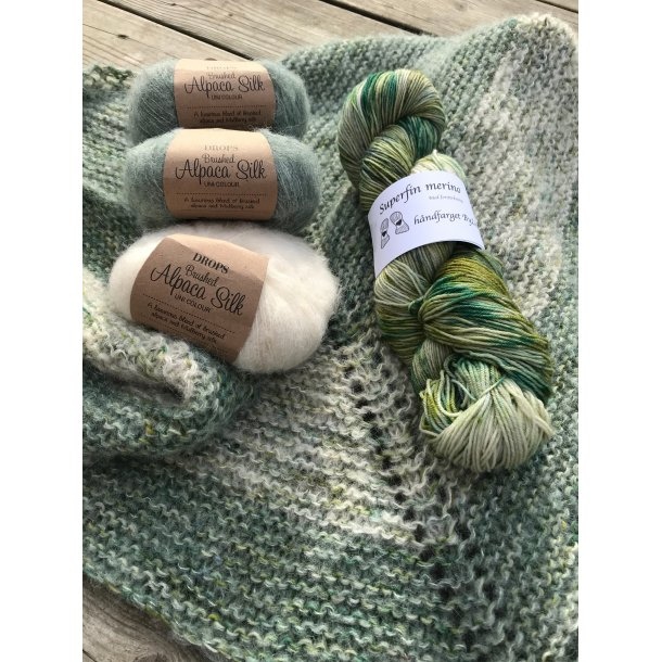 Nordisk sjal - rillestrikk - håndfarget garn